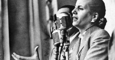 La Fundación Eva Perón y las asistentes sociales.