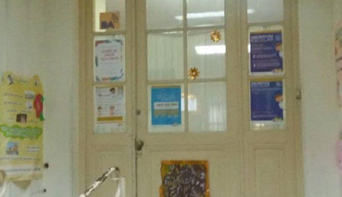 puerta escuela1