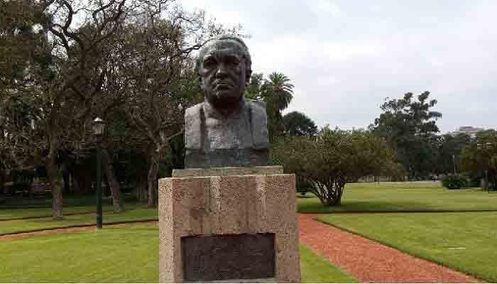 Busto de Fernan Felix de Amador 2