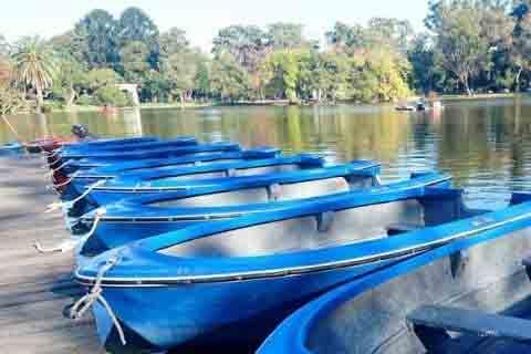 alquiler de bote lago